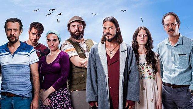 """Ekrana veda eden Bodrum Masalı dizisinde geçen sezon beraber çalışan Nejat İşler ile yönetmen Mehmet Ada Öztekin geçen haftalarda ayrıca """"Martıların Efendisi"""" filmini çekmişti."""