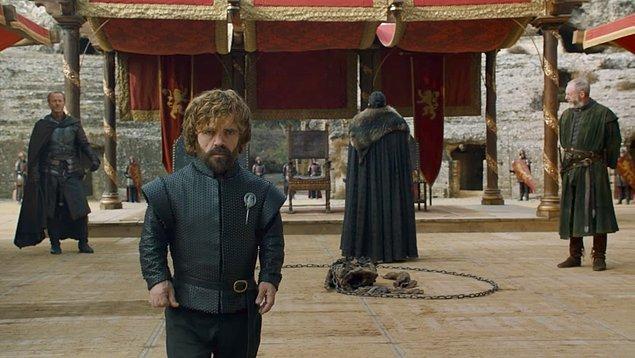 3. ve son ihtimal ise; Tyrion'un Cersei ile yaptığı konuşma. En son Cersei geri dönmeden önce Jon' a sinirinden olsa gerek, hiçbir şekilde ateşkes yapmadan ortamdan ayrılmıştı. Daha sonra Tyrion ikna etmek için onun odasına gitmişti.