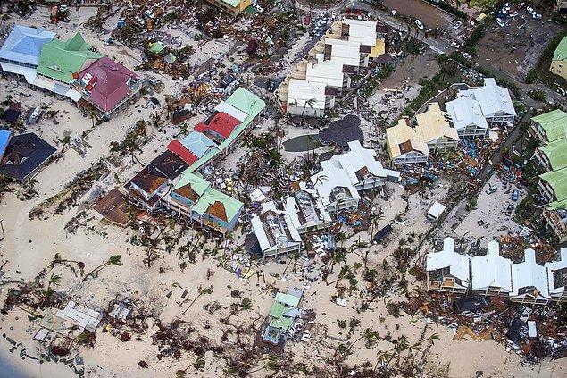 14. Yine Hollanda Savunma Bakanlığı tarafından havadan çekilmiş bir fotoğraf, Saint Martin.