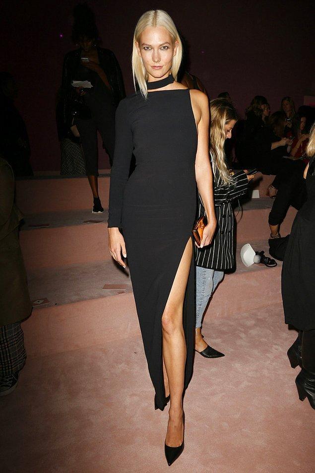 Giydiği elbisenin ruhuna bürünen kadın: Karlie Kloss