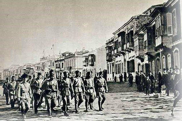 Mustafa Kemal Paşa özellikle İzmir'in işgalinden sonra vatanın dört bir yanına sirayet etmiş kurtuluş arayışlarına bir çare bulmaya çalıştı.