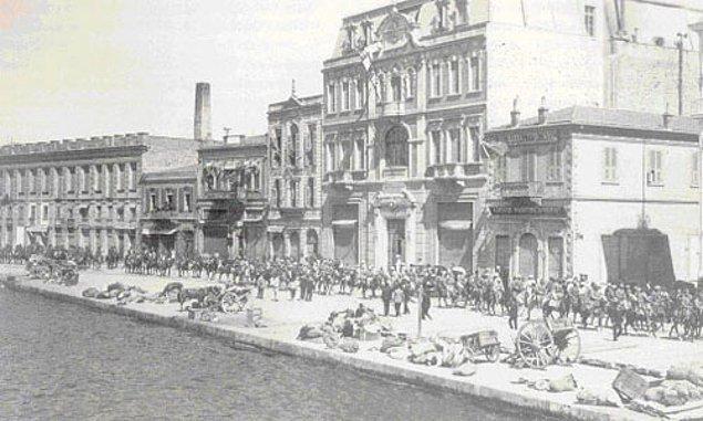 15 Mayıs 1919'da İzmir'in işgale uğraması ise Müdafaa-i Hukuk cemiyetlerini silahlı mücadeleye itecekti.