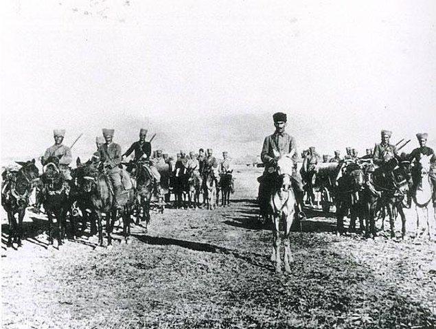 1 yıllık uzun uğraşlar ve kıt kanaat bütün bir milletin seferber olduğu ordu hazırlıklarının ardından, Ağustos 1922'de Büyük Taarruz başladı.