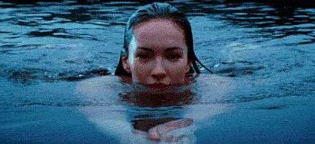 2. Rüyalarında hiç kendini derin sularda yüzerken görüyor musun?