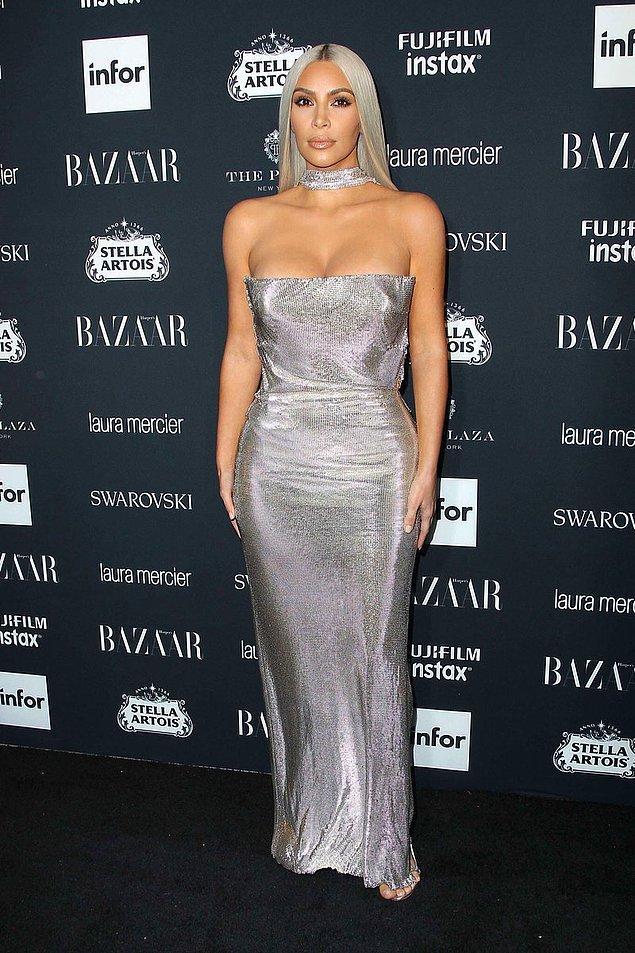 4. Gelelim ağır topumuza! Kim Kardashian'dan bu hafta biraz detaylı bahsedeceğiz, zira tarzında büyük bir değişikliğe gitti: Saçları!