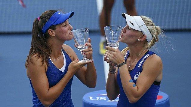 İpek'in adını tüm dünyaya duyurduğu yıl ise 2014 oldu. Amerika Açık Tenis Turnuvası'nda genç çift kadınlarda mücadele eden Soylu, finalde partneri Jil Belen Teichmann ile birlikte, rakiplerini yenerek Türkiye'ye ilk Grand Slam şampiyonluğunu getirdi.