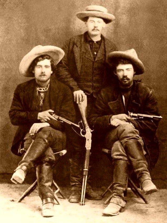 11. Batı Amerika'da kovboylar 'kovboy şapkası' olarak bildiğimiz şapkayı takmıyordu.