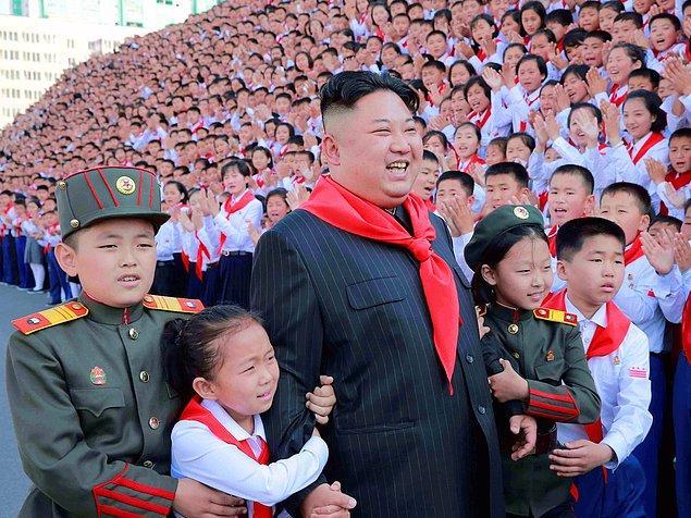 11. Bir söylentiye göre Kuzey Kore milyarlarca dolar değerinde minerallerin olduğu toprakların üzerinde kurulu fakat ülke bunları işleyecek teknolojiye sahip değil.