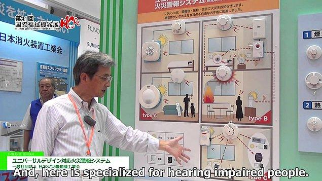 13. Japon araştırmacılar işitme engelliler için bir afet alarmı geliştirdi. Alarm durumunda ortama keskin bir wasabi kokusu yayılıyor, böylece bir tehlikenin olduğu sesten bağımsız olarak fark edilebiliyor.