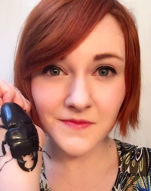Sosyal medyanın yeni odağı Spike ile tanışın. O, siyah bir geyik böceği. Japonya'da sahibiyle beraber yaşıyor.