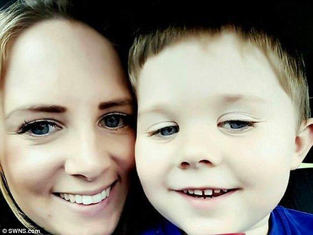 3 yaşındaki Henry otizmli bir çocuk, henüz konuşamıyor, ailesi ve arkadaşlarıyla çıkardığı sesler sayesinde iletişim kurabiliyor.
