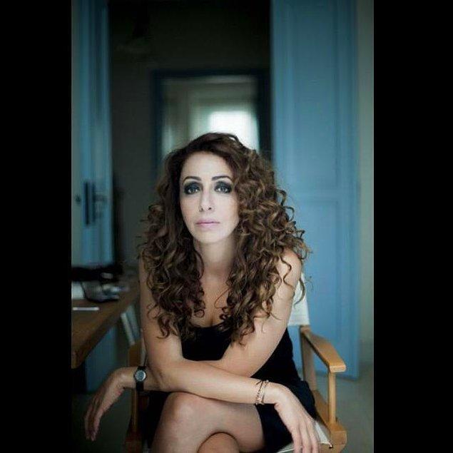 """İstanbul Üniversitesi """"Piyasa Araştırmaları ve Reklamcılık"""" bölümünün ardından yine aynı üniversitede """"Tiyatro Eleştirmenliği ve Dramaturji"""" okumuş başarılı oyuncu."""