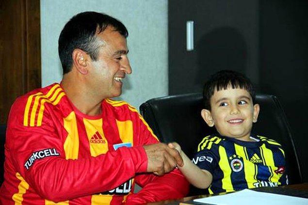 Daha sonra Kayseri Valisi Orhan Düzgün, Kayserispor taraftarı Recai ile çocuk ve ailesini makamında buluşturarak olayı tatlıya bağlamıştı. Ama bu olay Türk futboluna bir kara leke olarak yerleşmişti bile.