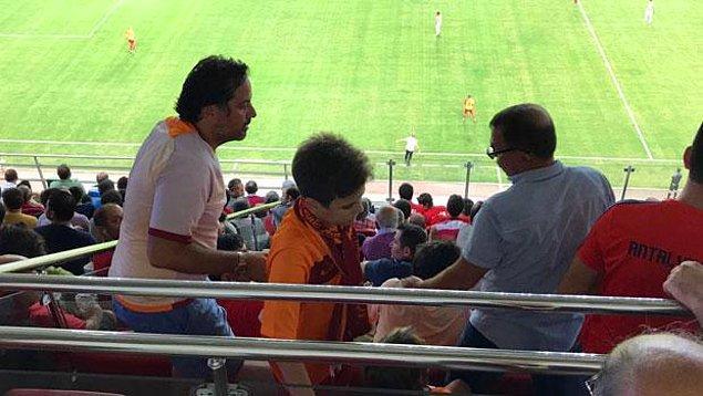 Geçtiğimiz haftalarda Antalyaspor - Galatasaray maçında VIP tribüne Galatasaray formalarıyla gelen 4 kişi, Antalyaspor taraftarlarından tepki aldı.