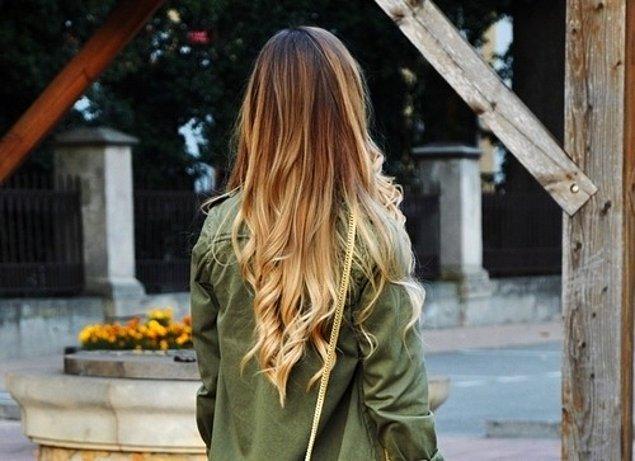4. Kısa ve bir türlü uzamak bilmeyen saçlarınızdan sıkıldıysanız da çıtçıt ya da atkuyruğu postiş modellerinden zevkinize uygun olanları deneyebilirsiniz.