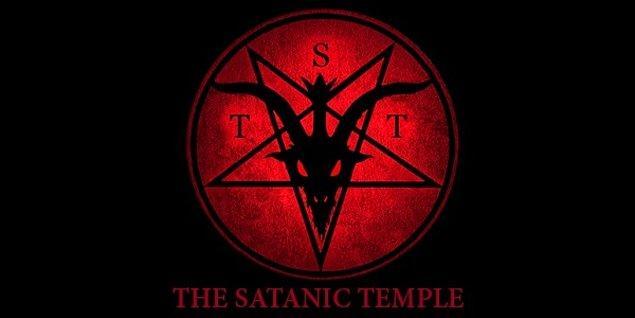 Henry, anlattığına göre satanist bir topluluğa üye olabilmek için bu cinayetleri işlemiştir.