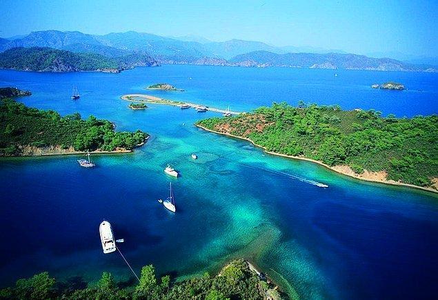 11. Adalar yazın ayrı, kışın ayrı güzeldir!
