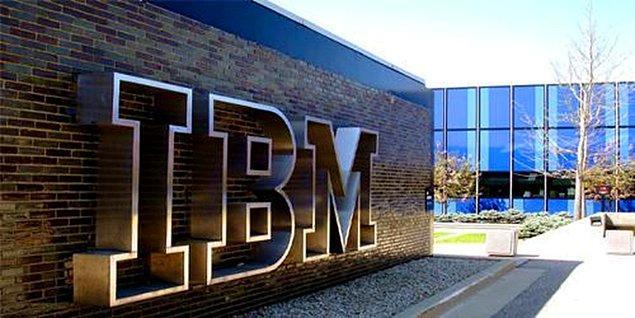 Bu konu Bill Gates'in daha önceden de dile getirdiği bir itiraftı. Ünlü iş adamı bunun için 2013'te teknoloji devi IBM'i suçlamıştı.