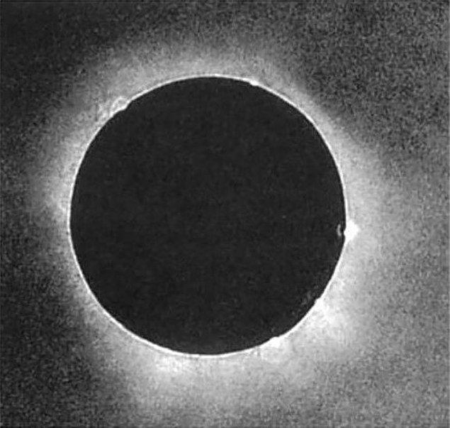 18. Bilimsel olarak yararlanılan ilk Güneş tutulması fotoğrafı, Prusya, 1851.