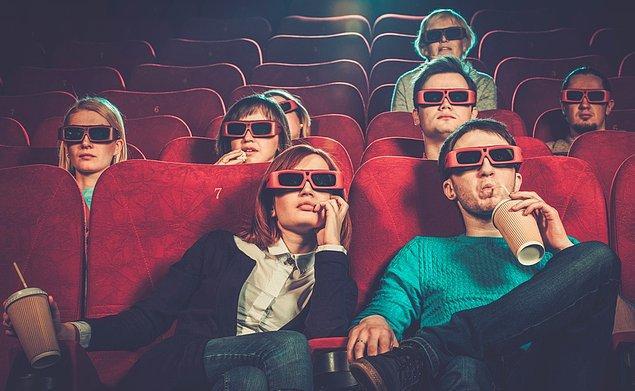 8. Randevulaştığım kız sinemada flash açık bir sürü selfie çekmeye başlayınca salonu terk etmemiz istendi.