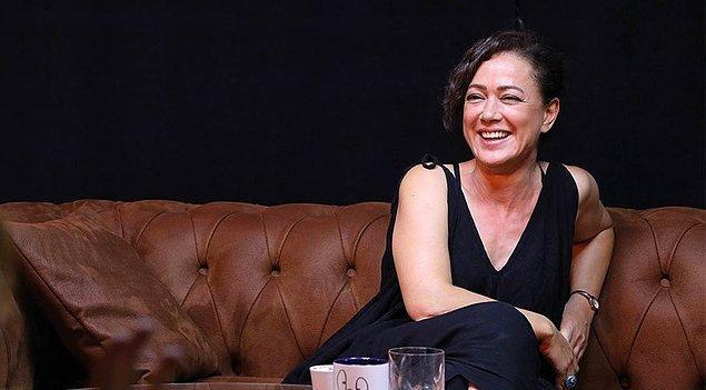"""Ve o """"Kadın""""ın annesi rolünde de usta tiyatrocu Bennu Yıldırımlar."""