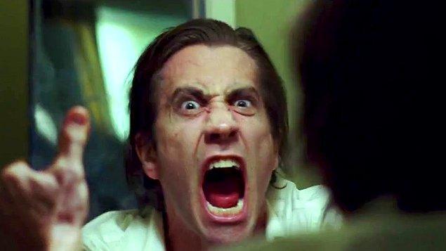 20. Randevudayken tuvalete gittiğimde yüzümün kurumuş kan lekeleriyle dolu olduğunu fark ettim!
