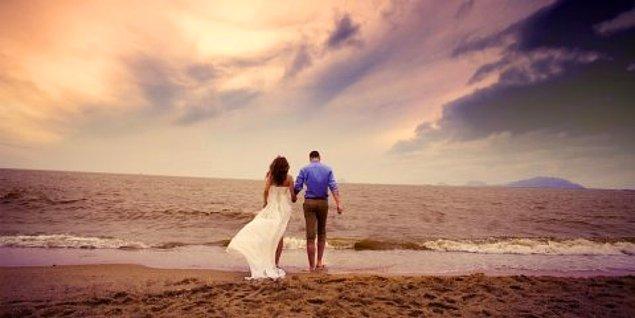 9. Geldik son soruya! Kova burcu insanlarının aşk hayatıyla ilgili söylenenlerden hangisi yanlıştır?