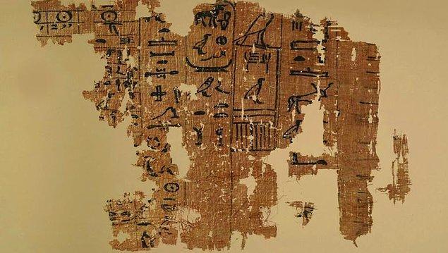 Cevap eski liman Wadi al-Jarf'da keşfedilen papirüsten, Kızıldeniz'den geliyor.