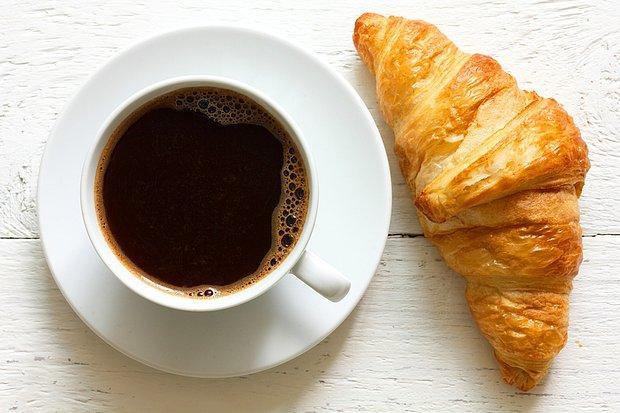 Kahve, kruvasan