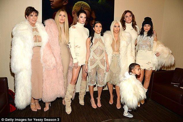 Bu durumda Kardashian-Jenner-West ailesi 2018 yılında üç yeni üyeyle şöhret, para ve çalkantı dolu hayatlarına devam edecek.