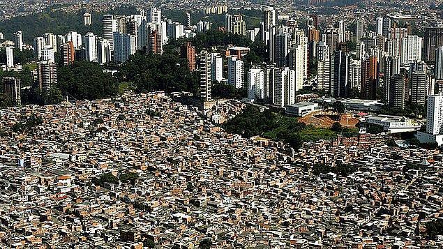 1. Dünyanın nüfus yoğunluğu bakımından en kalabalık şehri hangisidir?