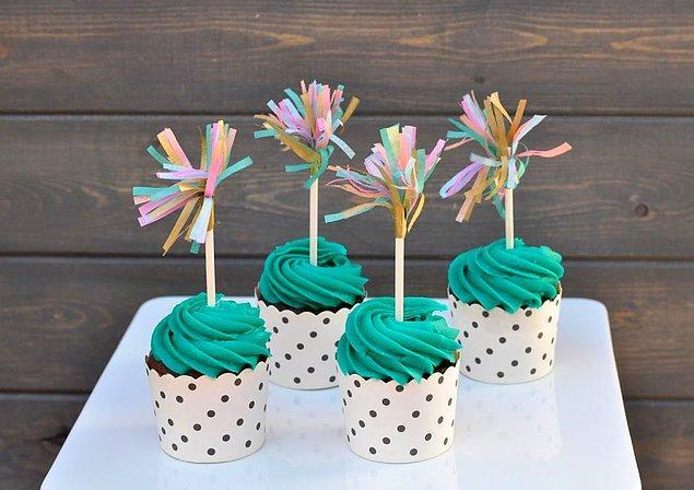 14. Pastalarının ve keklerin üzerini süslerken de kullanabilirsin.