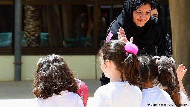 10. 1955: Kızların ilk kez okula gidebildiği yıl