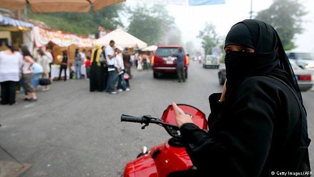 5. 2013: Kadınların bisiklet ve motosiklet kullanmasına izin verildi