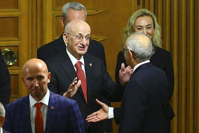 Yaşanan 'iletişim aksaklığı' sonrası TBMM Başkanı İsmail Kahraman, Kemal Kılıçdaroğlu'nu böyle karşıladı.