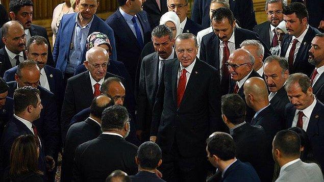 Yeni yasama yılının başlaması dolayısıyla Meclis'te resepsiyon verildi.