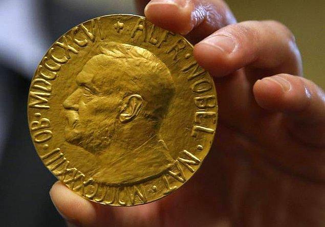 5. Oscar, Grammy ve Nobel ödüllerine layık görülmüş tek insan kimdir?