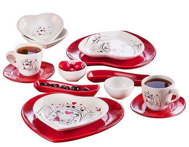 5. Kahvaltı sofranıza oturanların gözlerinde kıpkırmızı kalpler yakacak bu kahvaltı takımı