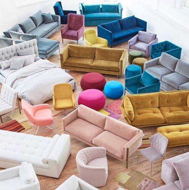 13. Bir yere yeni taşındığında ilk olarak tüm mobilyaları bir odaya topla ve öyle dekorasyona başla. Senin için daha kolay olacaktır.