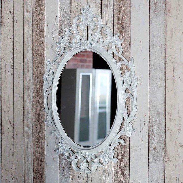 10. İster evinizin girişinde, ister salonunuzda isterseniz makyaj masanızın karşısında durarak evinizin tüm havasını değiştirebilen bu mükemmel tasarımlı ayna