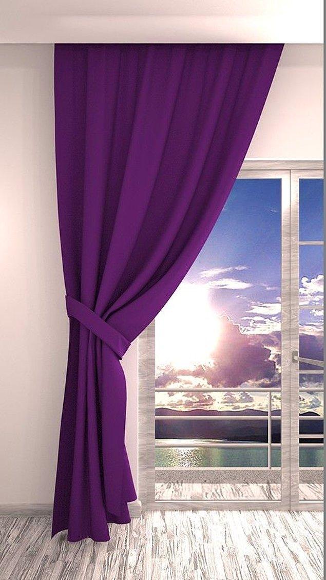 12. Salonunuzun havasını değiştirmeye kararlı rengi ve ışığı mükemmel kesen dokusuyla iç açıcı mor fon perdeler