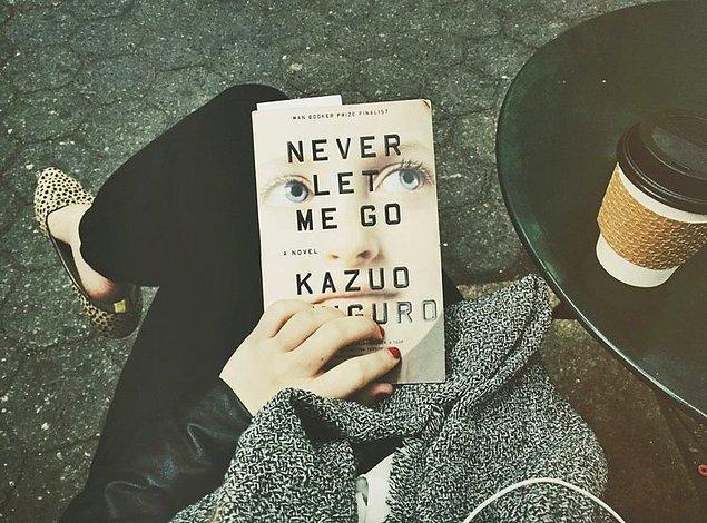 Ishiguro'nun 2005'te yazdığı 'Never Let Me Go' ise Time dergisi tarafından, İngilizce yazılmış en iyi 100 roman listesine alınmıştı.