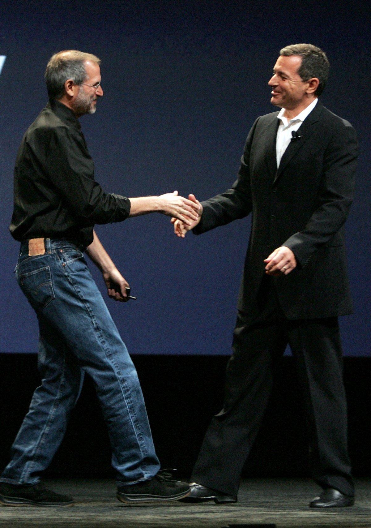 Batmak Üzere Olan Şirketi Dünyanın Hakimi Haline Getiren Bir Deha: Ölümünün 6. Yılında Steve Jobs 3
