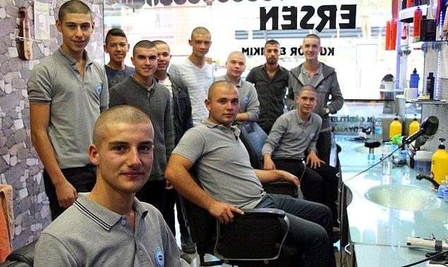 Gönültaş'ın arkadaşları geçtiğimiz gün de yine kendisine destek vermek amacıyla saçlarını 'sıfır numara' kestirmeye karar verdiler.