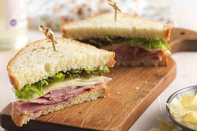 7. Sandviçlerinde beyaz ekmek kullanman.