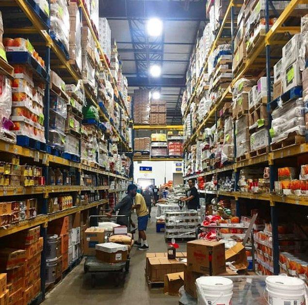 9. Mutfak eşyalarını süslü püslü vitrinlerden değil tedarik mağazalarından seçmek gerekiyor çünkü daha kaliteli ve daha ucuz.