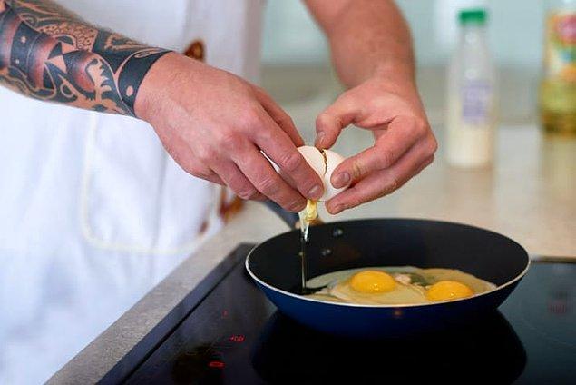 14. Yapışmaz tava yumurta için mükemmeldir. Aman dikkat çok ısıtma!