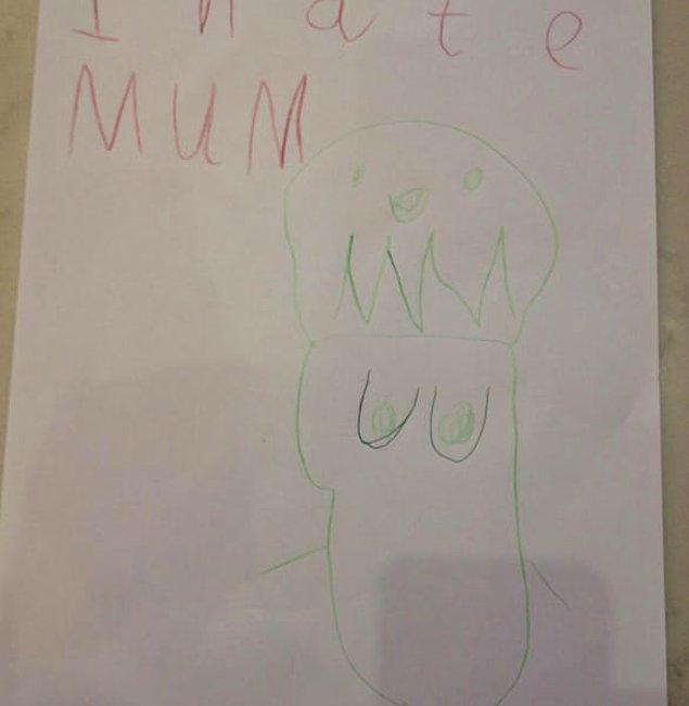 14. Annesinin emeklerini takdir eden bir çocuğun resmi: