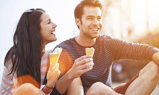 8. Size asla kendinizi yalnız hissettirmeyip, üstüne bir de en yakın arkadaşınız olabiliyorsa bu harika bir histir!