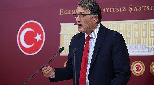 CHP'nin eğitimcilikten gelen milletvekillerinden Ceyhun İrgil gelişmeyi 'tuhaf bir durum' olarak niteledi...